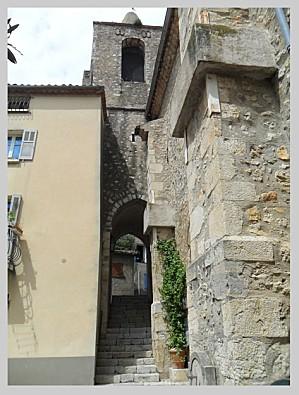 Touettes passage sous clocher