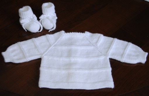 Aujourd hui nous repassons au tricot, spécial bébés..   La passion ... 917e9114acc
