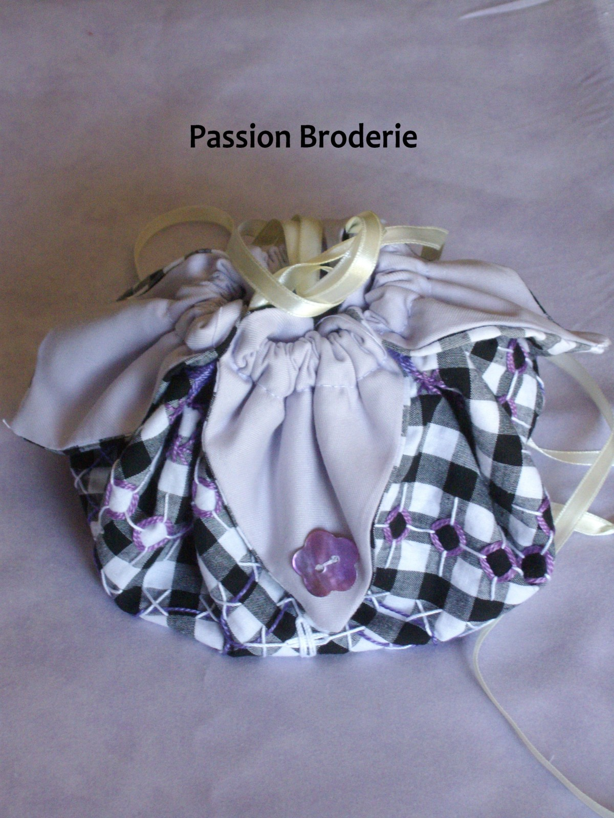 Bourse-broderie