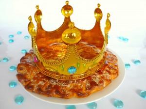 Galette-des-Rois-et-sa-couronne