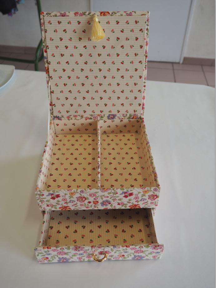 Cartonnage 11