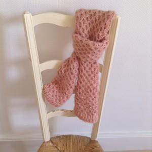 echarpe-tricotee-nid-dabeille-1024x1024