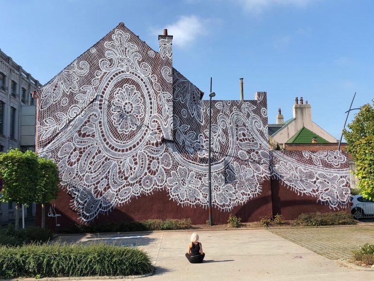 https://lapassionauboutdesdoigts.fr/wp-content/uploads/2020/10/dentelle-de-calais-fresque-murale-1.jpg
